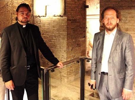 Драбинко (слева) и Коваленко в истинном обличьи протестантском образе